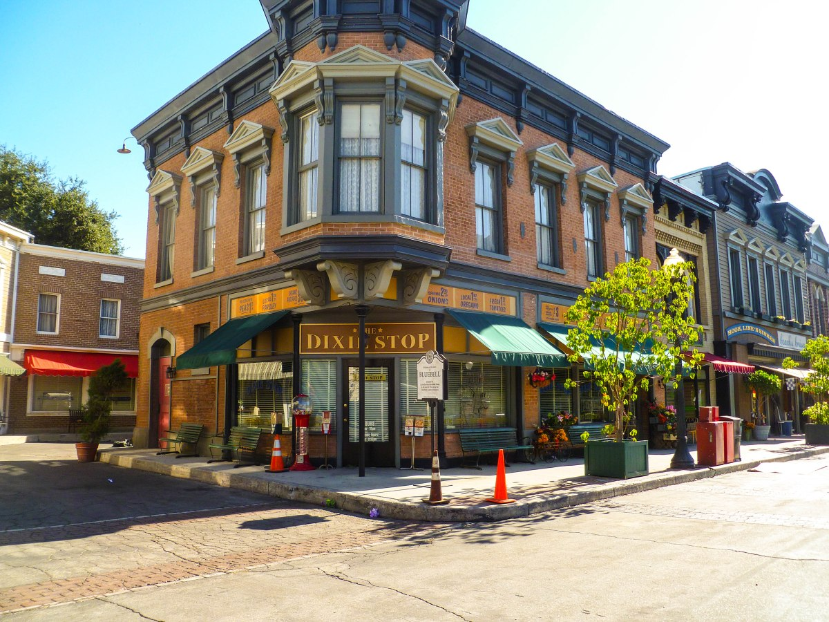 The Perks of Being a Production Assistant in Hollywood