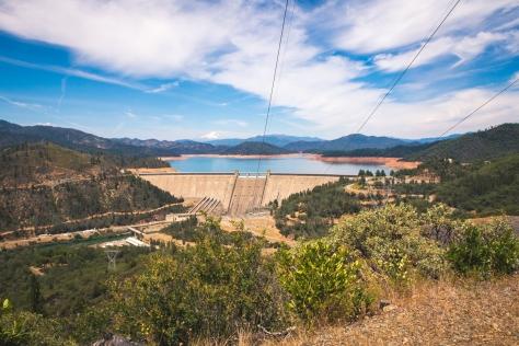 Shasta lake dam